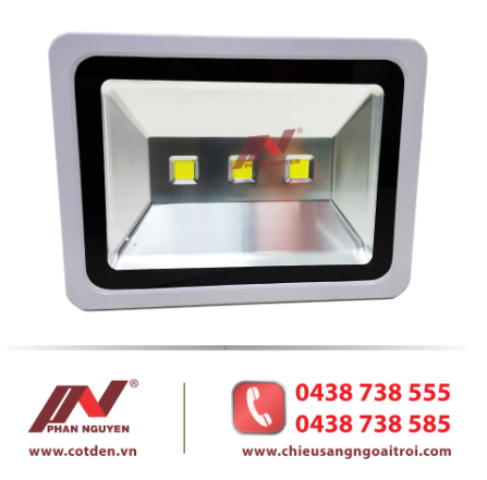 Đèn pha sân bóng led 150W PN01 được ưa chuộng