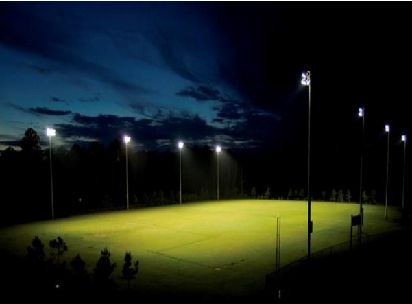 Đèn pha cao áp PN05 chiếu sáng sân bóng